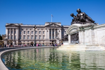 Attractions in London Buckingham Palace